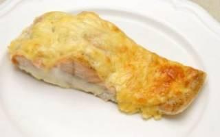 Рыба в духовке с морковью и сыром