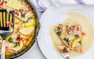 Рыба запеченая с помидорами и сыром