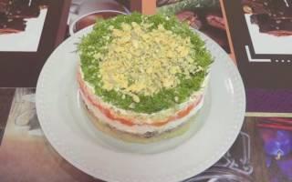 Слоеный салат мимоза с рыбой